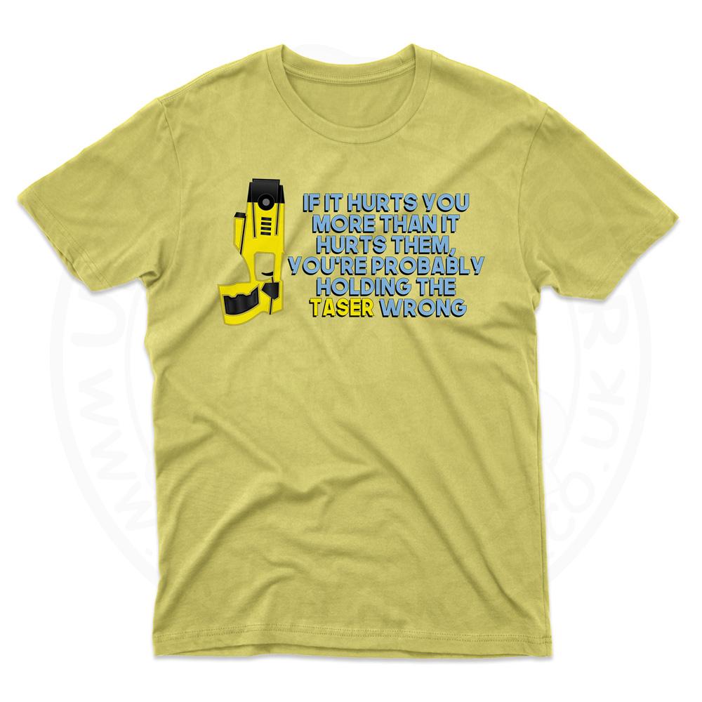 Mens Holding the Taser Wrong T-Shirt - Daisy, 2XL